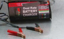 Как зарядить аккумулятор автомобиля зарядным устройством?