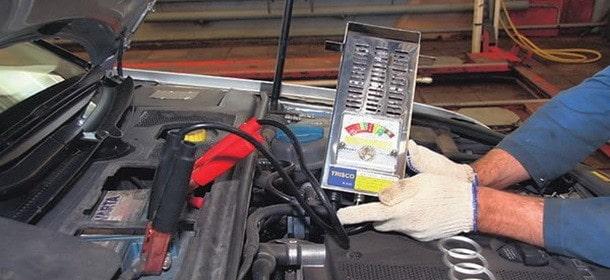 Как проверить аккумулятор нагрузочной вилкой?