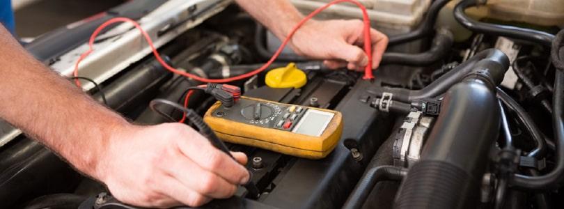 Как проверить заряд аккумулятора автомобиля?